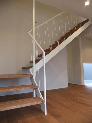 興野の家OH階段.JPG