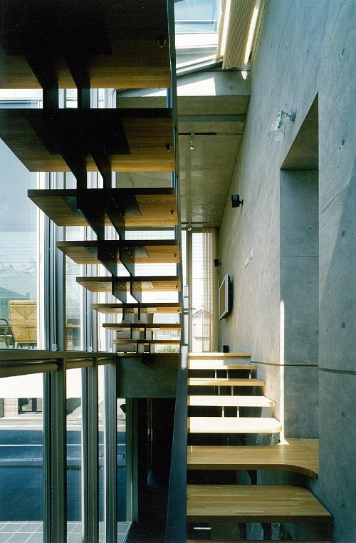 住宅の階段-3